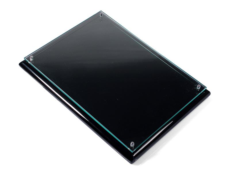 Camlı Siyah Plaket 18 x 24 cm